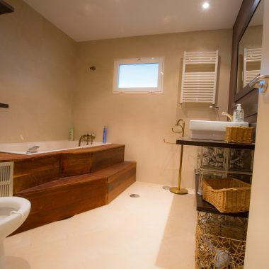 Baño con gran bañera · Villa Zorita, Casa Rural en Albalate de Zorita