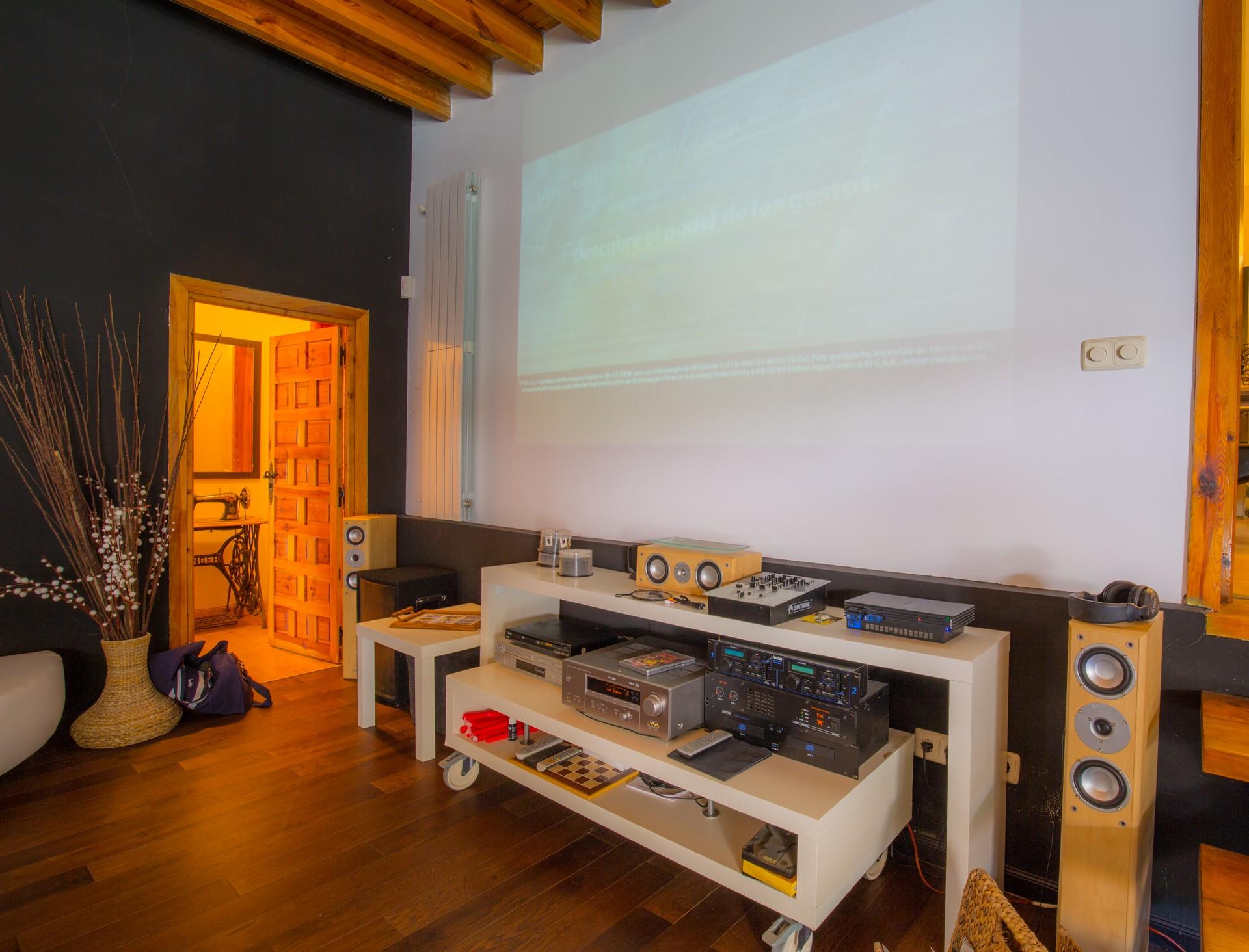 Pantallas cine en casa beautiful cinco pelculas para - Montar un cine en casa ...