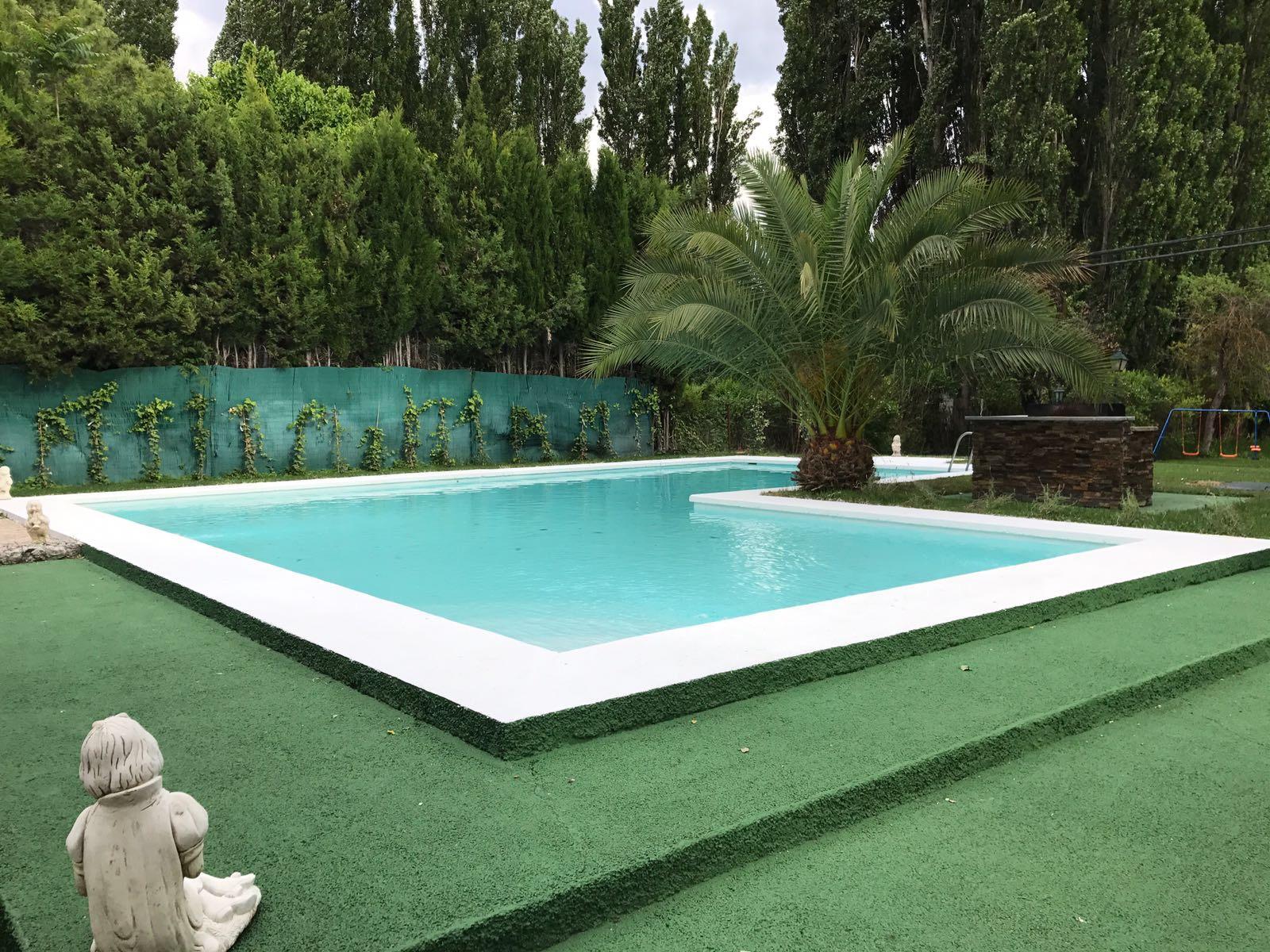 Casa Rural en Guadalajara cerca de Madrid Con piscina y senderismo